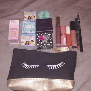 Make Up Sample Bundle